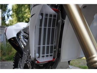 AXP Radiator Guard Aluminum Red Yamaha