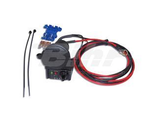 Enchufe con tester de bateria a bordo 12V + conector universal tipo encendedor. ZA03