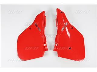 Tampas laterais traseiras UFO vermelha Honda CR125R/250R