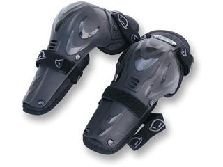 ARTICULATED JUNIOR PRO KNEE GUARD IN BLACK
