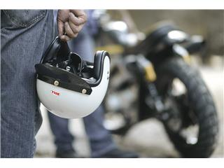Casque BELL Custom 500 DLX Solid Vintage White taille XS - 9d145774-6f5b-43a5-8c9f-52e50d1c0f52