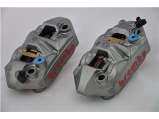 Pair of M4 one-piece callipers, 100mm/P4 34 (with pads)