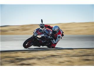 BELL Race Star Flex Helmet RSD Gloss/Matte White/Red Carbon Formula Size M - af1a0a57-e030-4b49-b1bd-d0064b3789ff