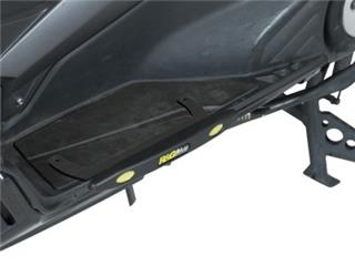 R&G RACING Footboard Slider Black Yamaha T-Max 530