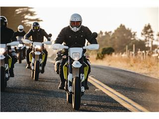 Casque BELL Moto-3 Classic White taille S - cbc63317-736b-4f64-a230-9b40bbc196eb