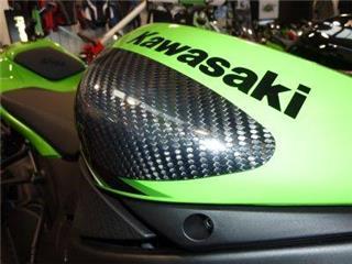 Benzintankschutz R&G RACING aus Carbon für KAWASAKI