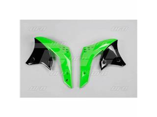 Plásticos laterales de radiador UFO Kawasaki verde KA03783-026